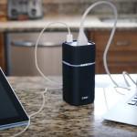 USB-C端子にACコンセントまで備えたモバイルバッテリー「CAN X」