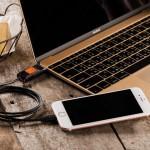 MacBook Pro(2016)の充電からiPhoneとの接続までマルチに切り替えて使えるリバーシブル・ケーブル「Thunder-C」