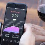お酒の飲み過ぎを知らせてくれる!!世界初の汗で体内のアルコール濃度が検出可能なスマートバンド「PROOF」
