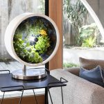 スペースコロニーを連想させる容器で無重力技術のパワーと太陽光スペクトル照明で植物を自動育成する「Rotofarm」