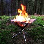 キャンプやBBQがとっても楽しくなる超軽量コンパクト折り畳みコンロ兼用焚き火台「Firekorf」