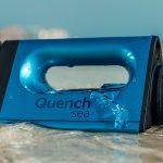 泥水1時間あたり2リットル、海水1時間あたり20リットルの濾過能力を持つポータブル浄水器「QuenchSea」