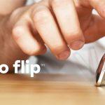 """コミカルな動きに思わず見とれてしまう、""""ぬれおかき""""の様な形をしたキネティックデスクトイ「Flipo Flip™」"""